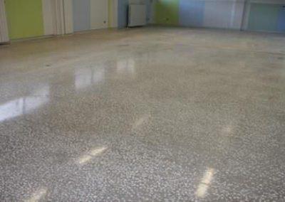 Concrete flooring / colored